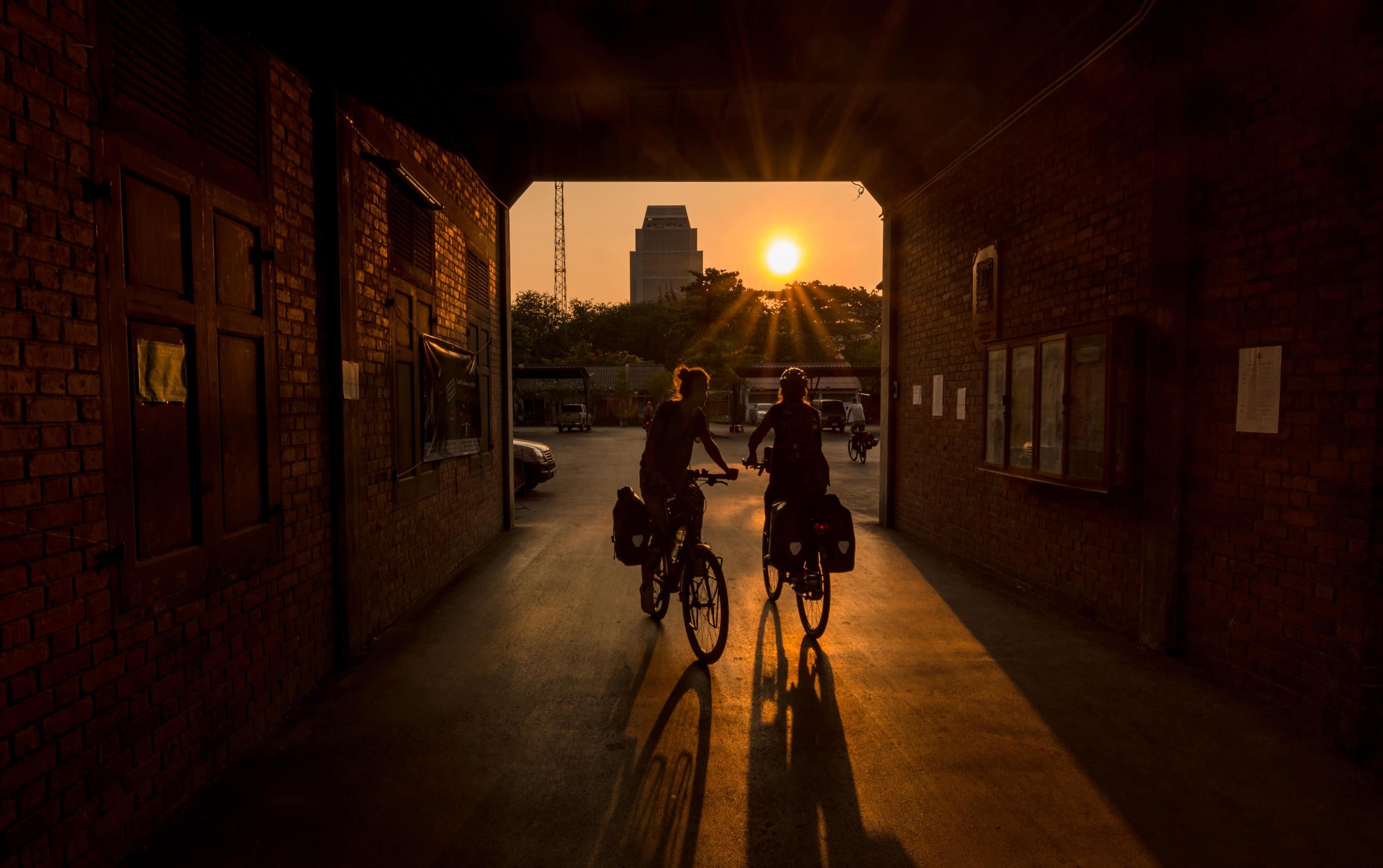 bangkok sunset bike, bangkok adventure, bangkok food and temples, rent bike in bangkok