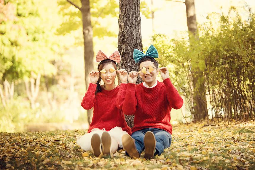 Couple in Seoul's Autumn