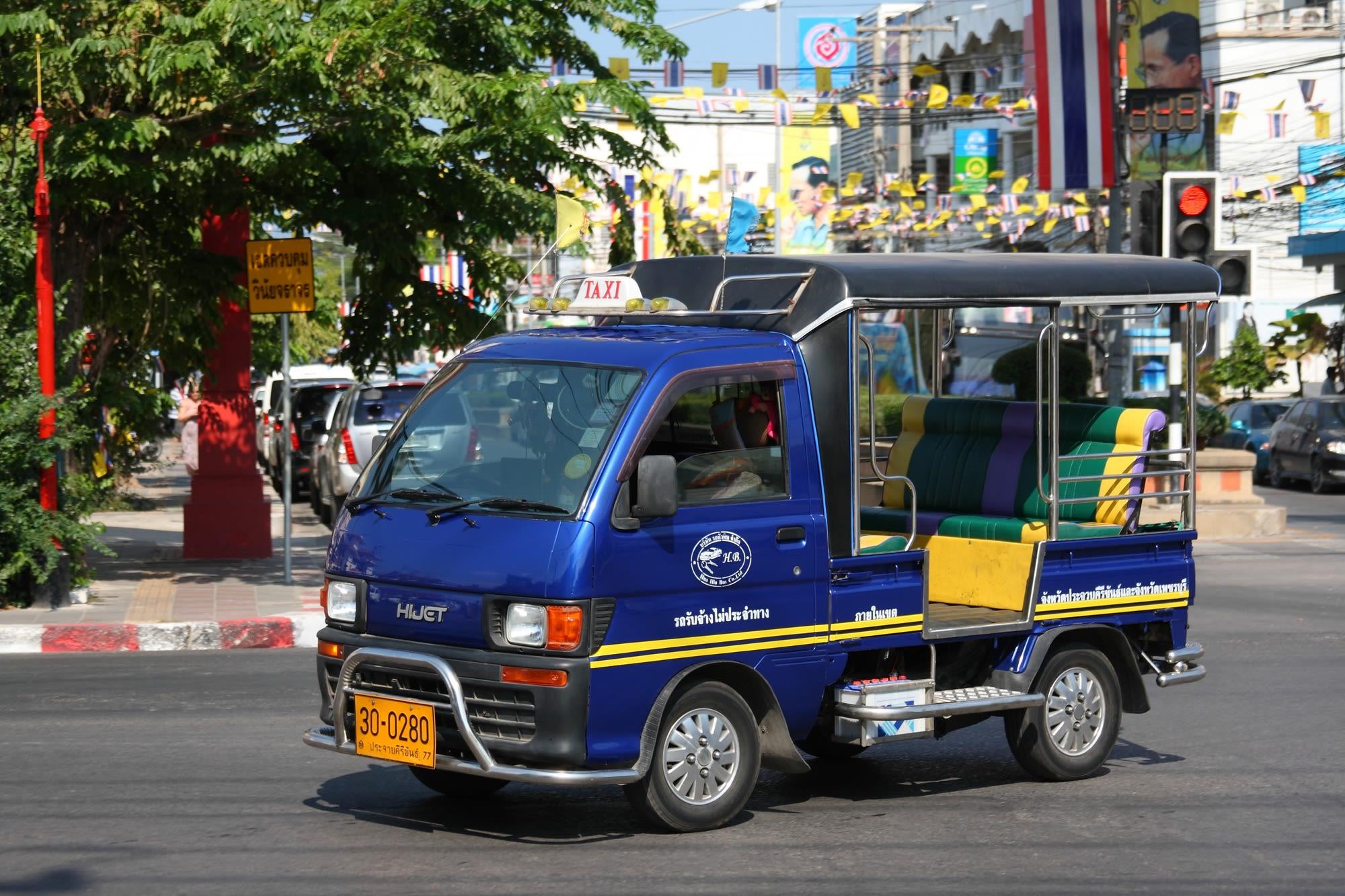 Hua-Hin-Car-Charter-Tuk-Tuk