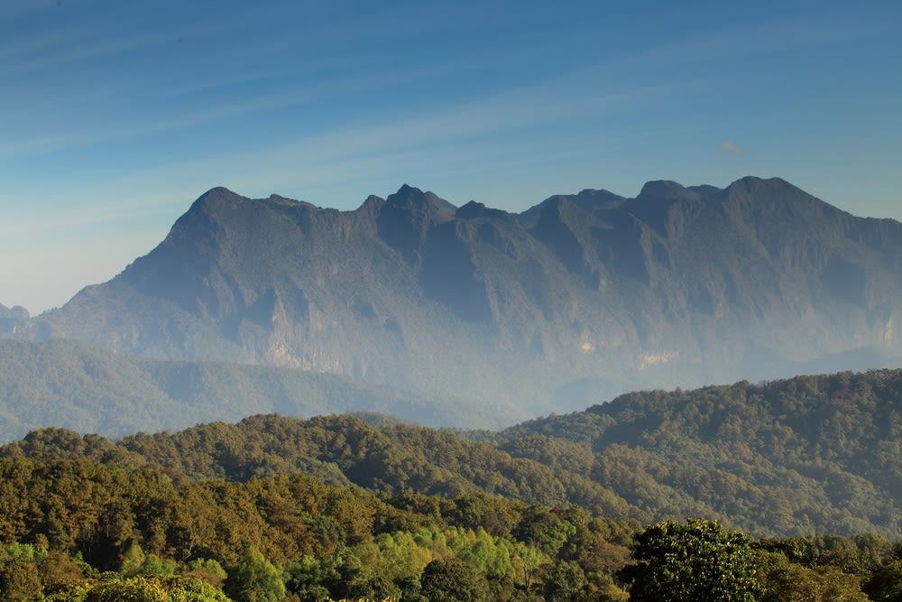 thailand mountains, thailand foggy mountains, thailand fog, northern thailand cold