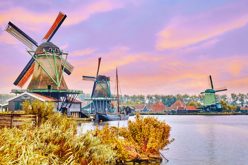 Your Travel Guide to Amsterdam and Beyond!