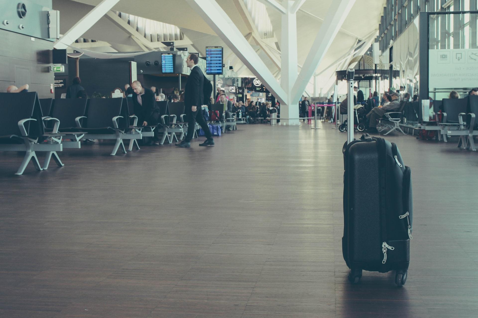 除了RIMOWA ,其實這些行李箱品牌更好用 !