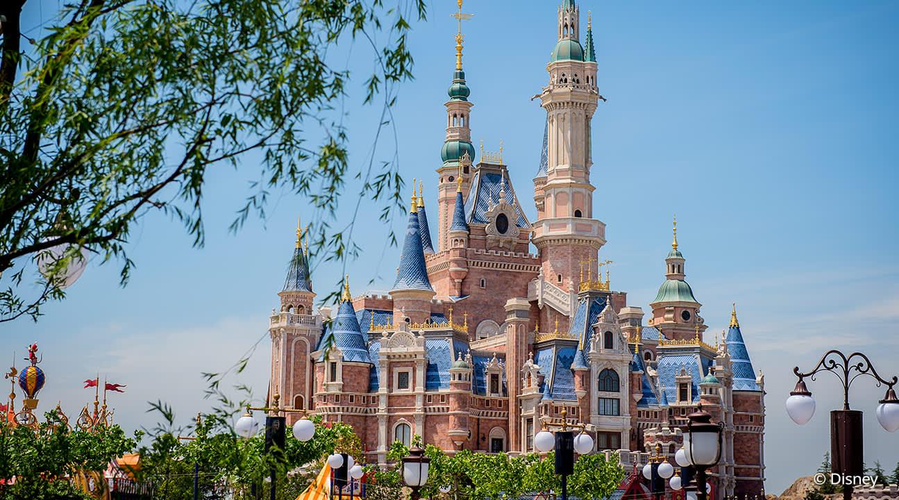Cùng Trải Nghiệm Disneyland Qua Màn Ảnh, Tại Sao Không?