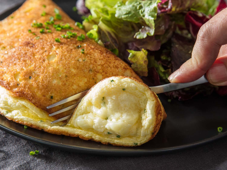 cach-lam-trung-bot-bien-Souffle-Omelette