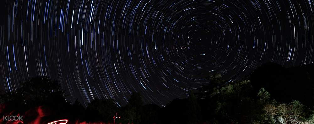 Explore the starry sky in the summer night
