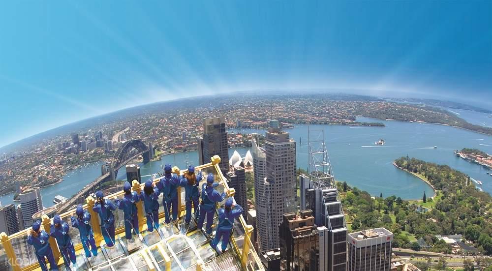悉尼塔空中漫步体验