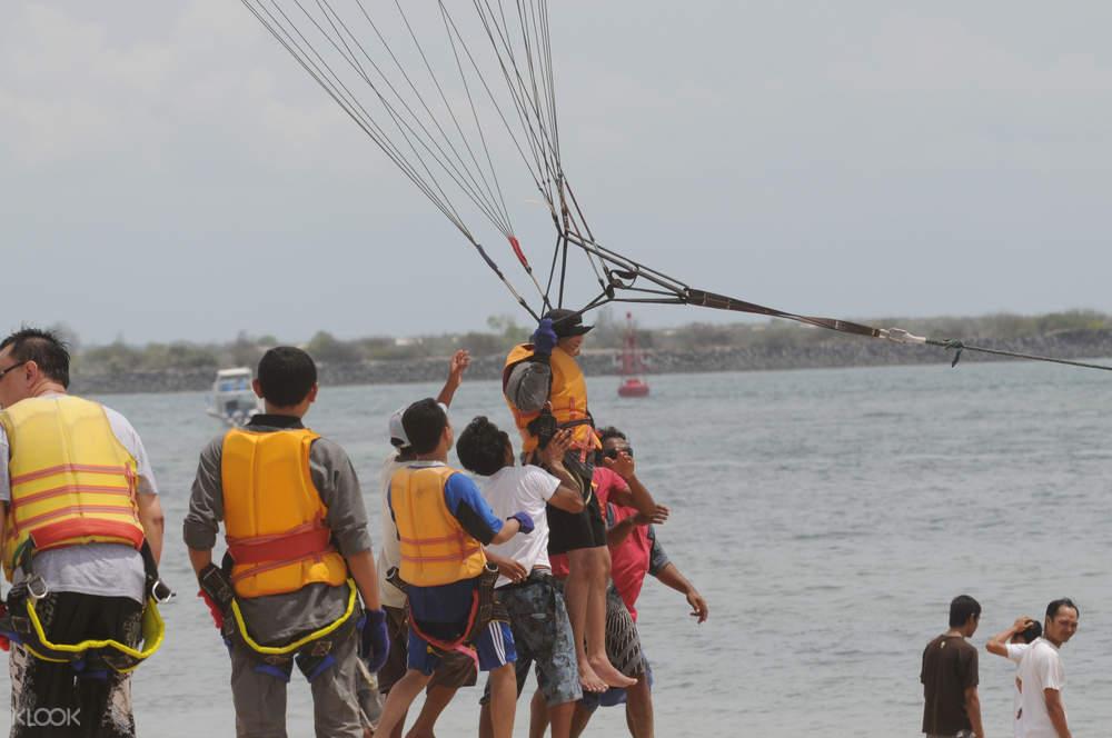 巴厘岛滑翔伞,巴厘岛海上滑翔伞,巴厘岛水上活动