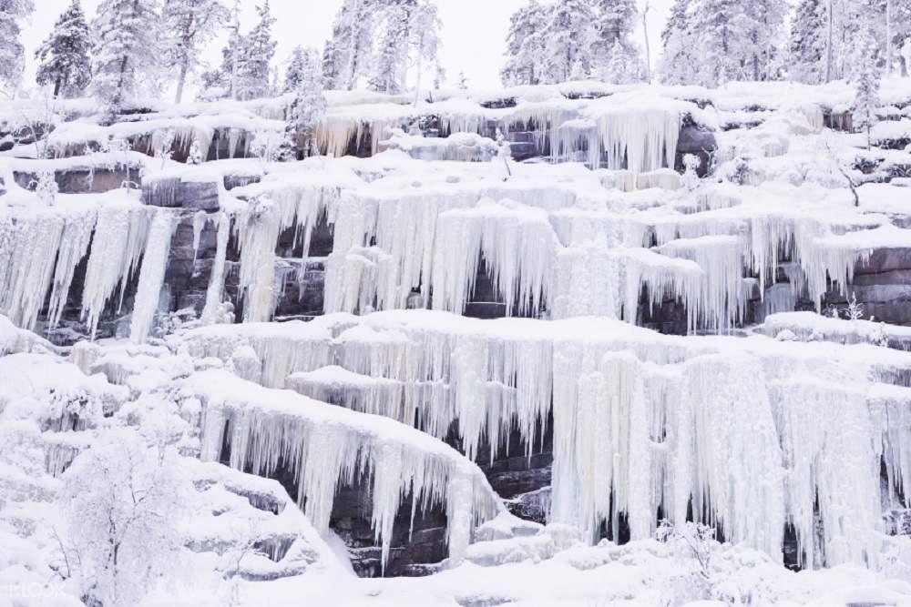 罗瓦涅米冰冻瀑布,Korouoma冰冻瀑布,芬兰冰冻瀑布,芬兰森林