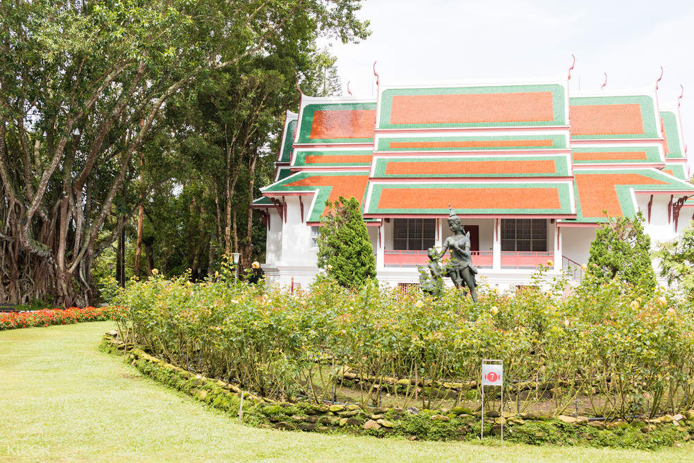 picture of bhubing palace