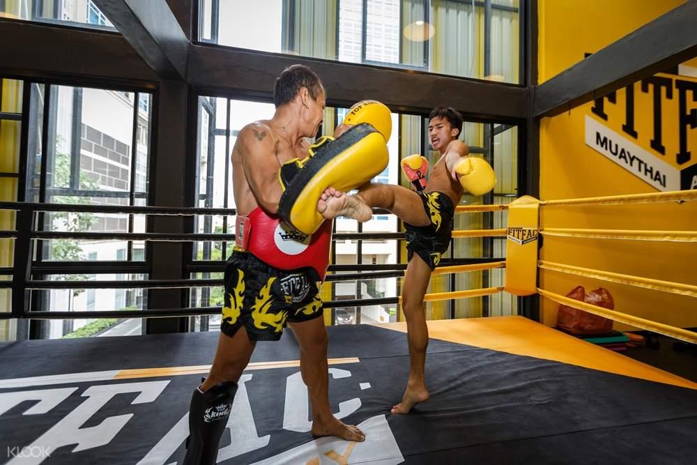 muay thai training session bangkok