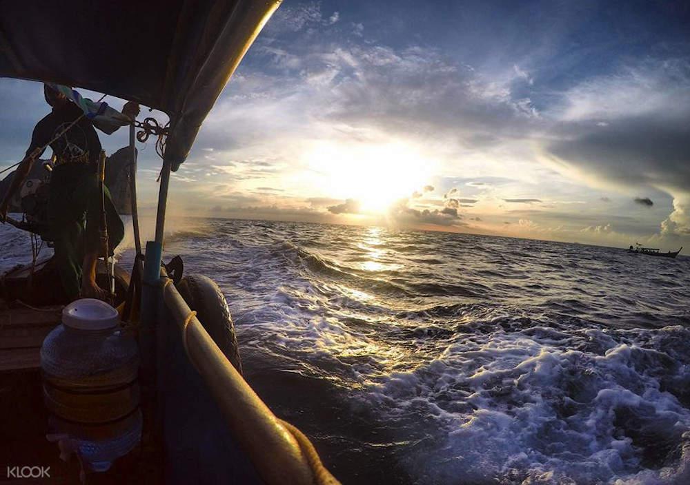 皮皮岛日落浮潜半日游