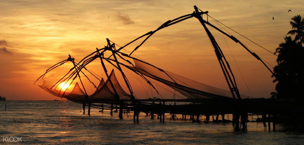 科钦中国渔网捕鱼