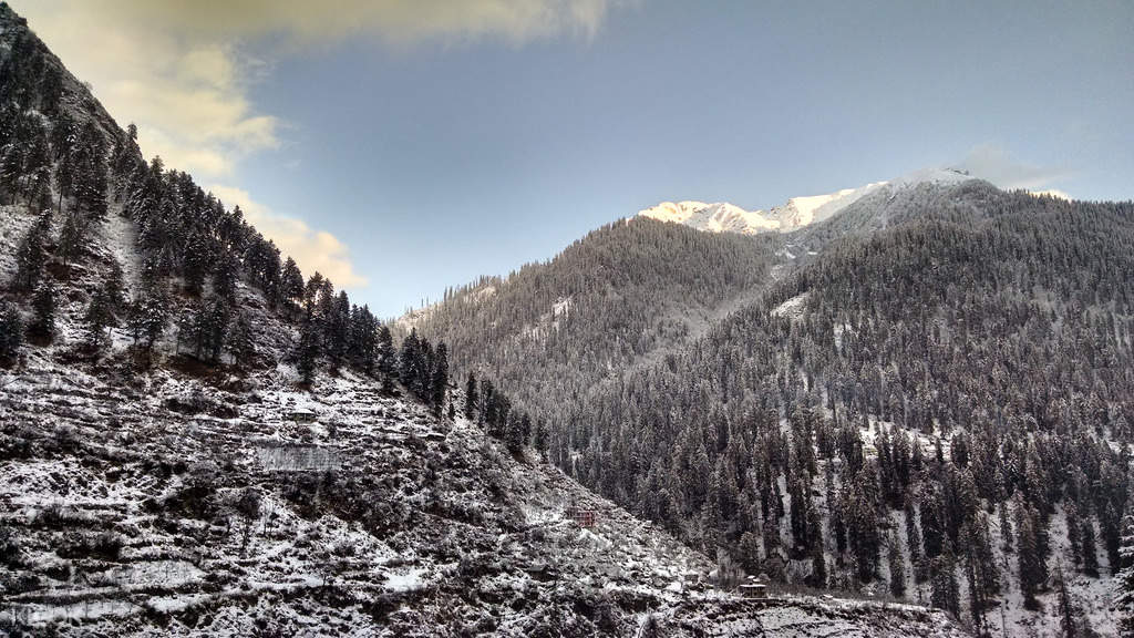 snowy mountains to Kheerganga