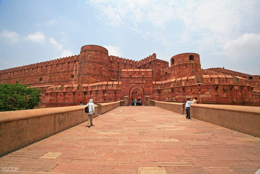 agra fort day tour