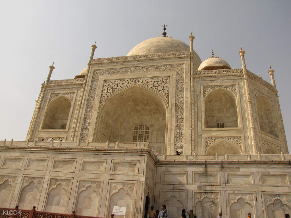 Private Tour Of Taj Mahal and Agra Fort From Agra