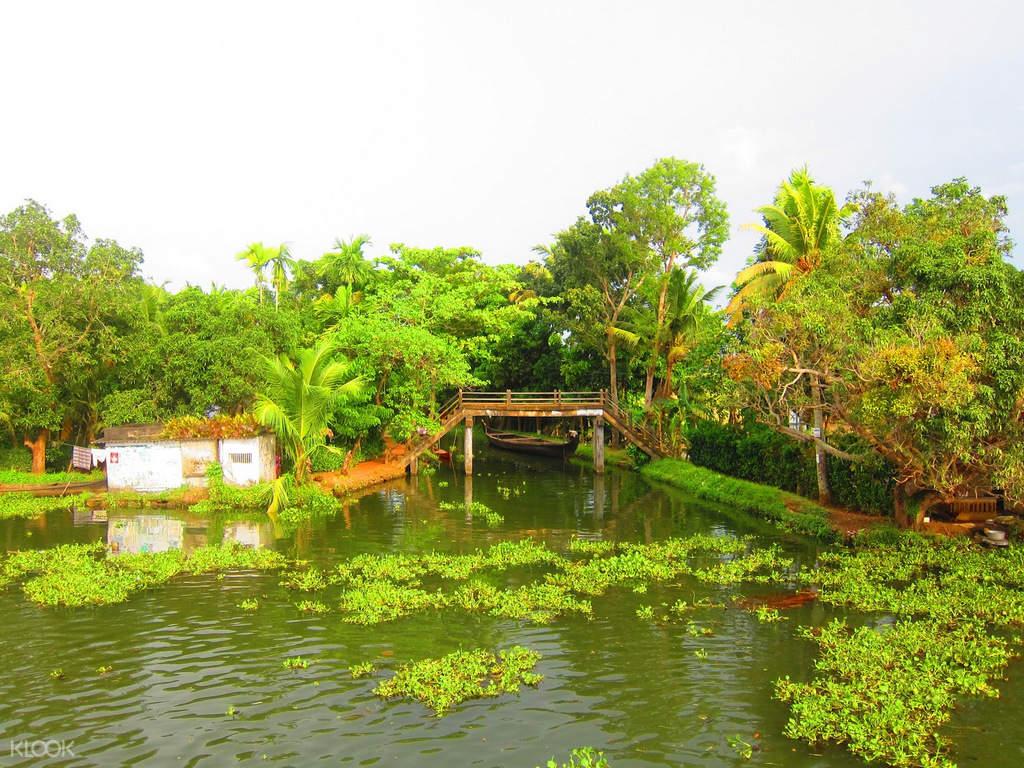 科欽回水湖區(Backwater)船屋巡遊