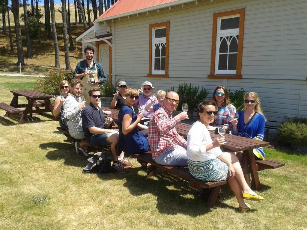 wine tasting session in marlborough