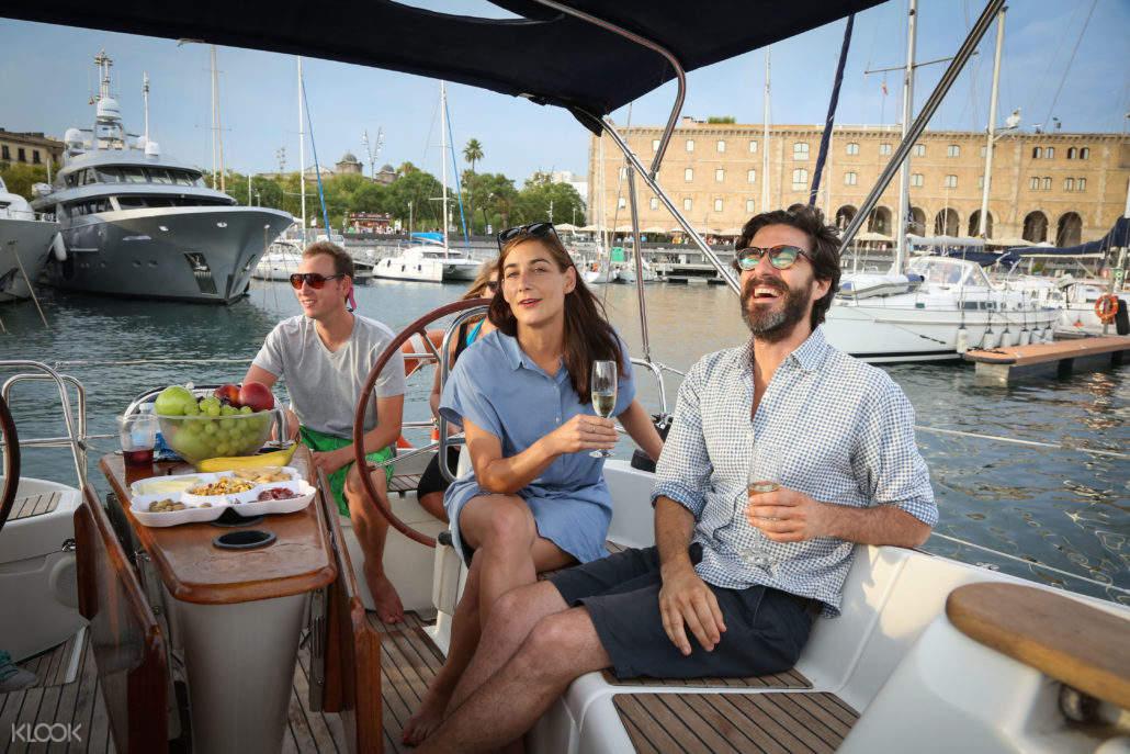 巴塞羅那遊船觀光,巴塞羅那帆船觀光,巴塞羅那帆船遊,巴塞羅那海上之旅,巴塞羅那地中海觀光,巴塞羅那舊港