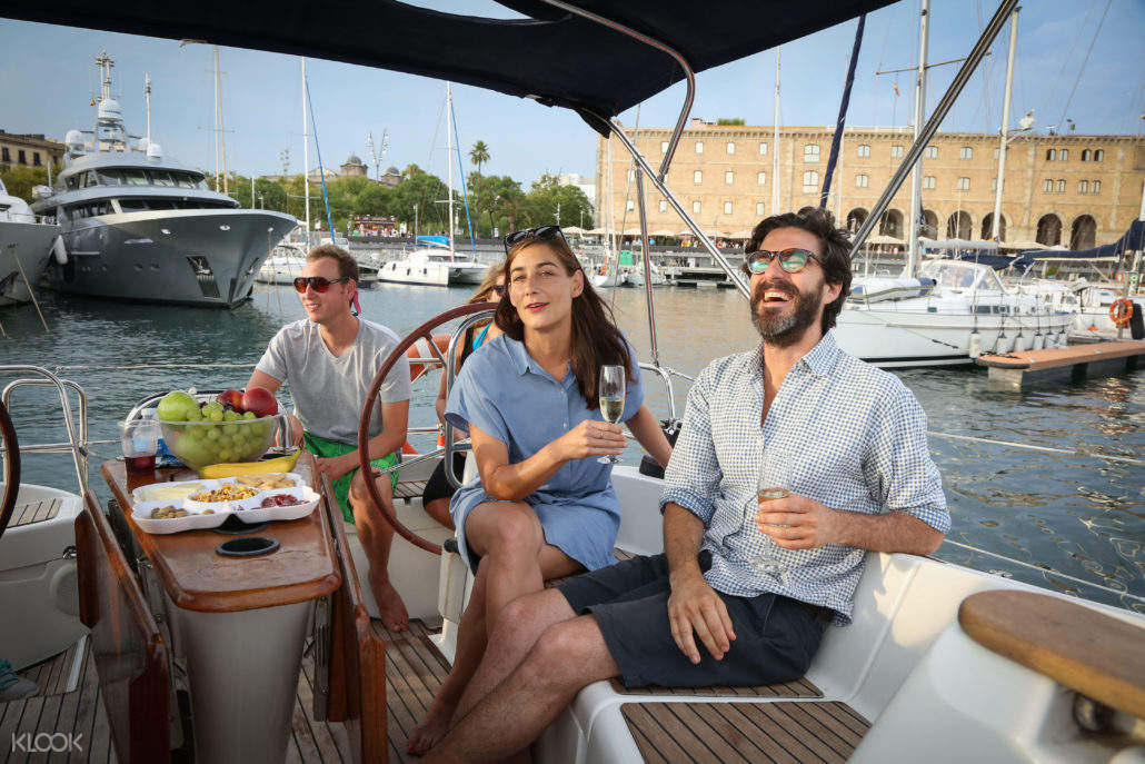 Sailing Experience with Merienda in Barcelona