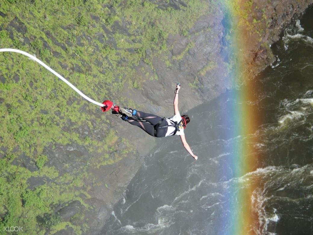 woman bungee jumping