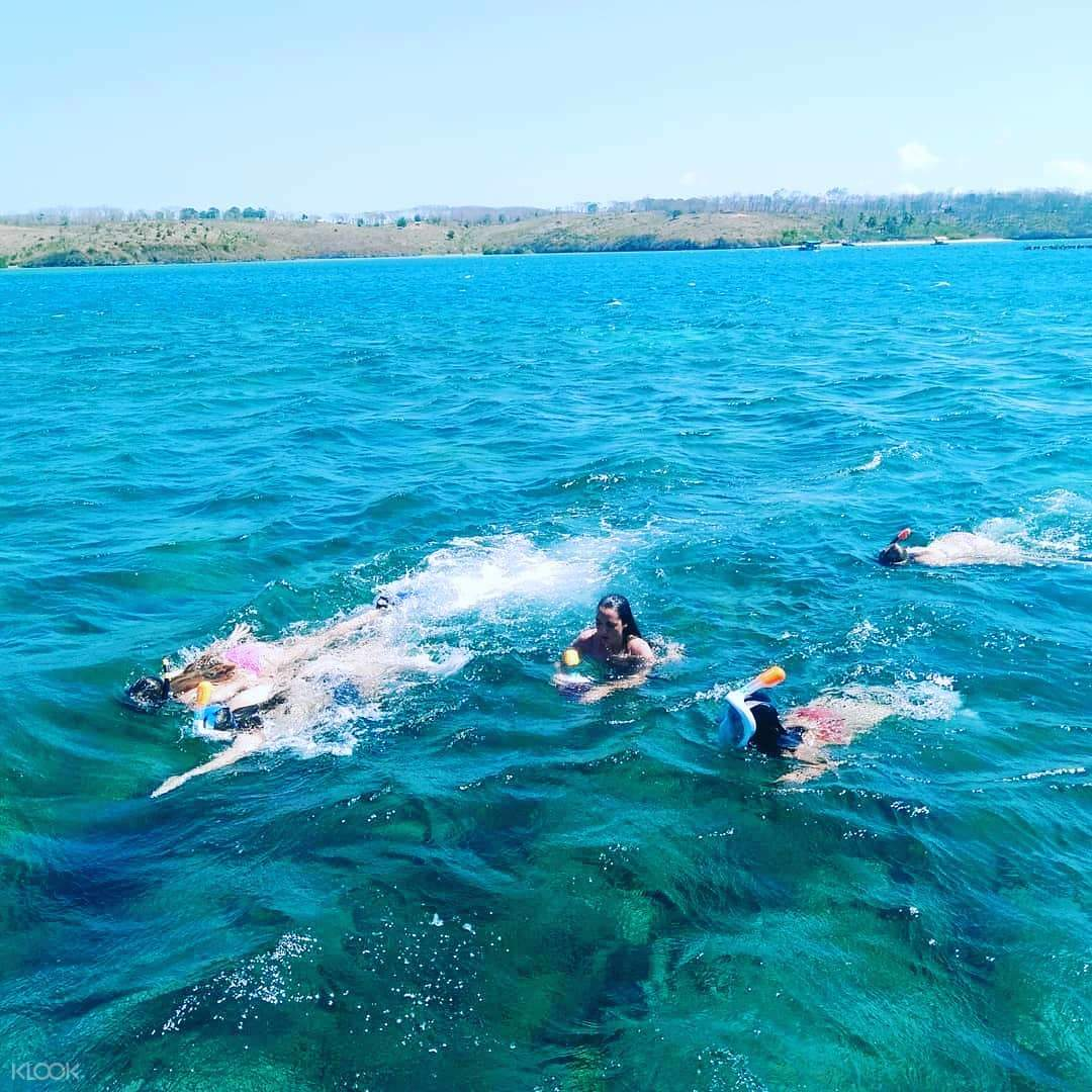 Pink Beach, Gili Petelu, and Segui Beach Day Tour