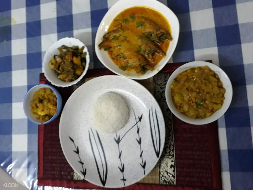 Cook and Dine Experience with a Local in Kolkata, India - Klook