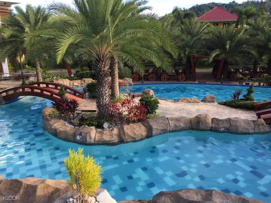 Calinisan Resort pool