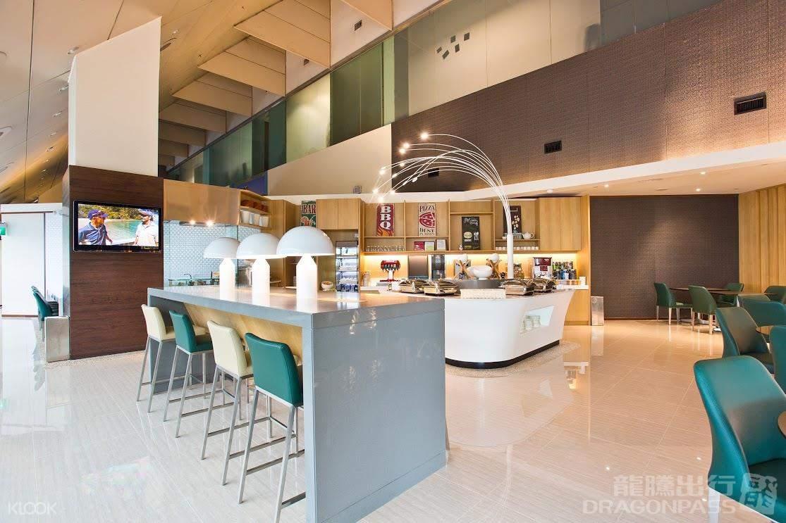 furniture inside singapore changi airport lounge