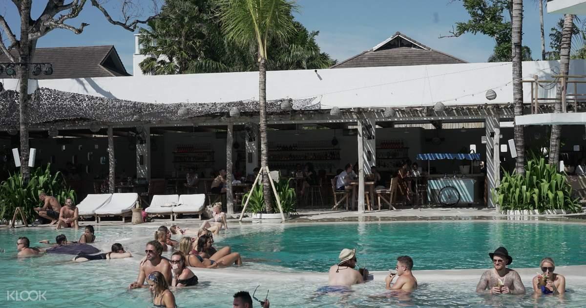 Transportasi Pribadi Untuk Beach Club Di Bali Indonesia