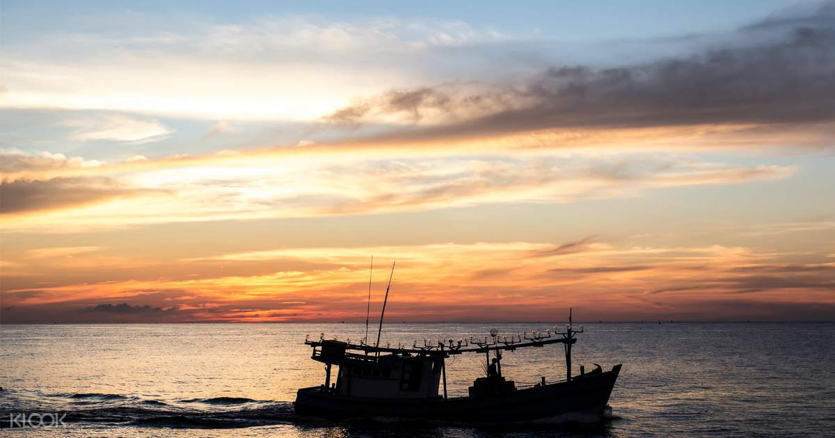 Sunset and Squid BBQ Boat Trip in Phu Quoc, Vietnam - Klook