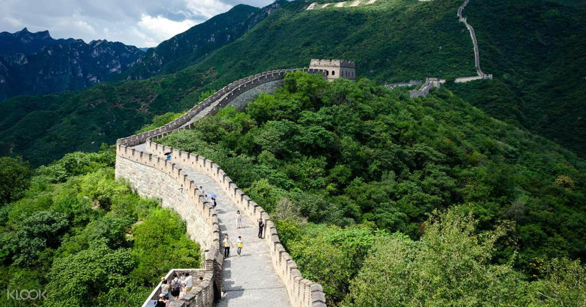 trip great wall china essay The great wall is actually a series of walls built to defend ancient china's borders against northern barbarians i don't think the benefits of building the in conclusion the costs of building the great wall of china totally outweighed the benefits the emperors tortured innocent people by making them work.