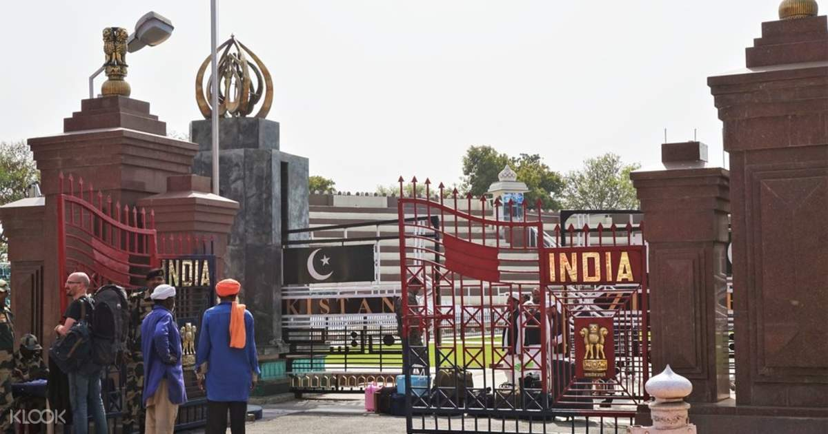 Wagah Beating Retreat Border Ceremony (with Dinner) in