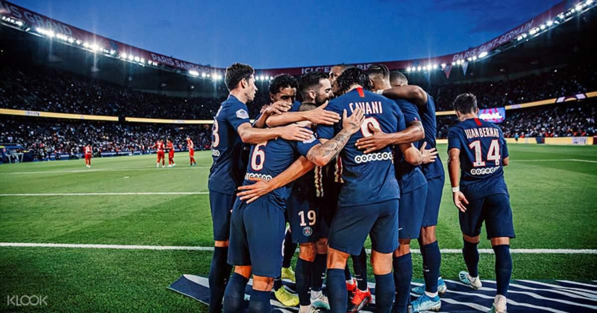 บัตรเข้าชมการแข่งขันฟุตบอลสโมสรฟุตบอลปารีส แซงต์-แชร์กแมง  ที่สนามปาร์กเดแพร็งส์ (Parc des Princes)