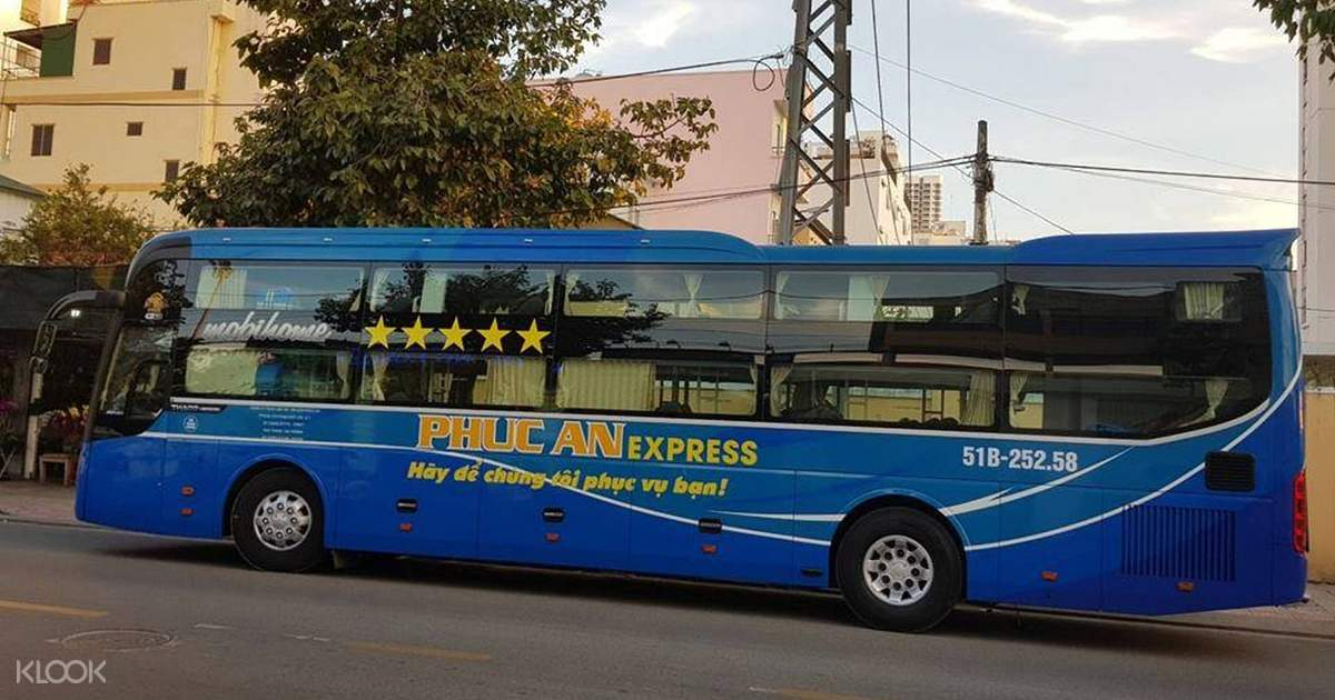 A bed on a bus… megabus sleeper service review | Runaway Jane