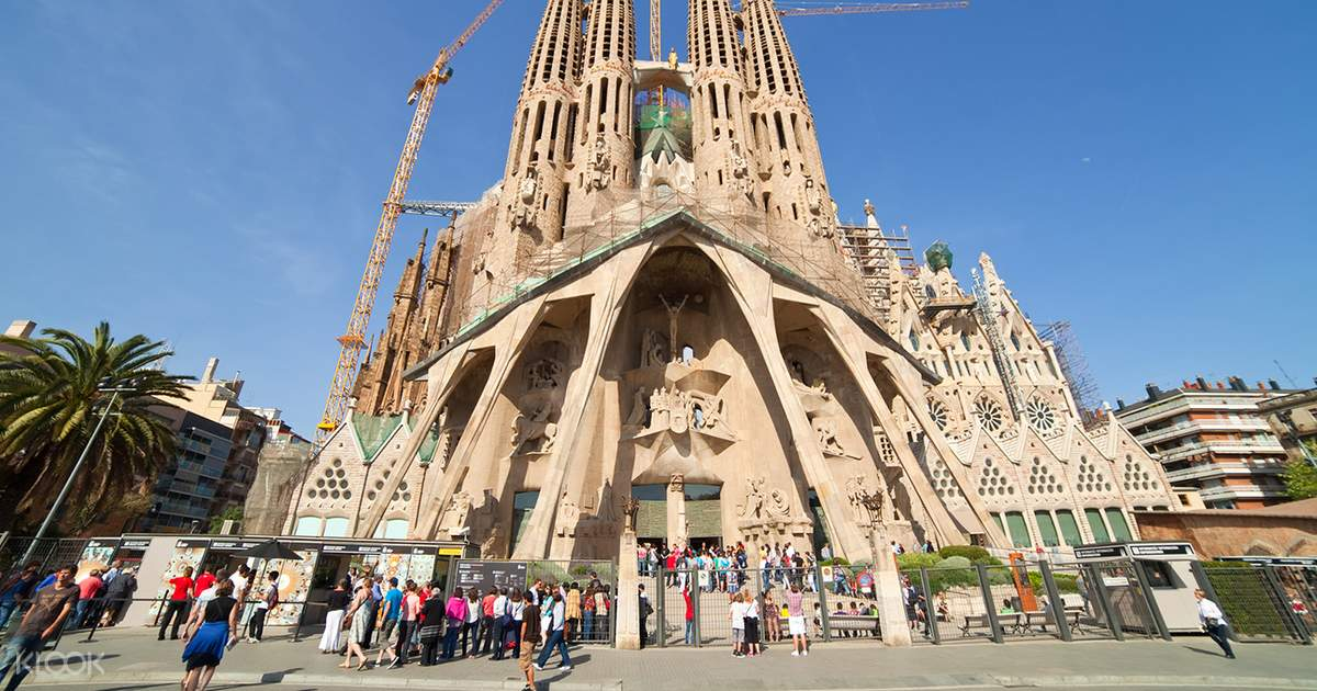 the best of gaudí guided tour barcelona klook