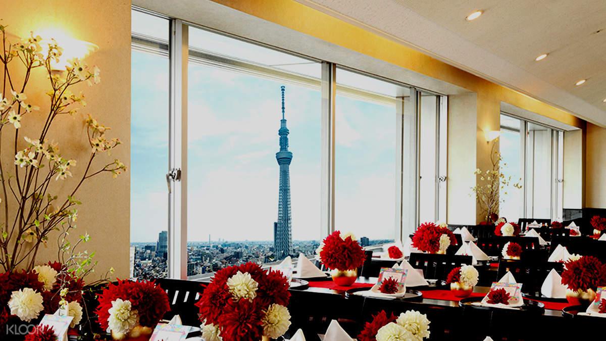 Interior of Japanese Cuisine Mochizuki (日本料理もちづき) in Asakusa