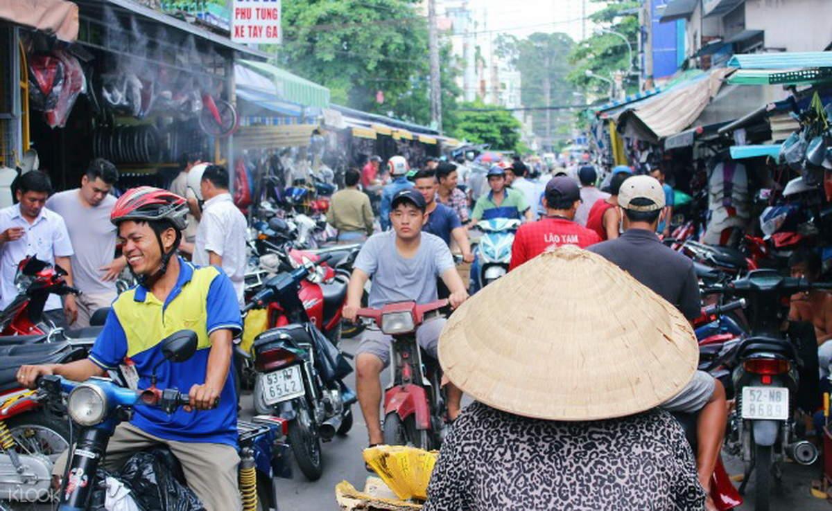 西贡市场摩托车骑行半日游