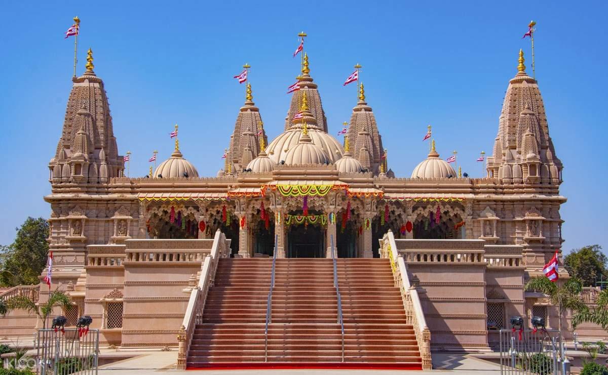 BAPS Shri Swaminarayan Mandir in Junagadh
