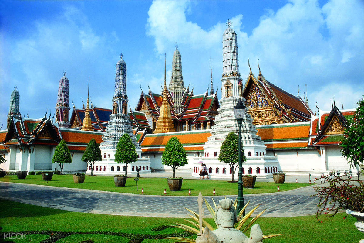 曼谷大皇宫,曼谷玉佛寺,曼谷卧佛寺,曼谷半日游,曼谷旅游,在曼谷做什么,在曼谷去哪里,泰国大皇宫,翡翠佛像,曼谷景点