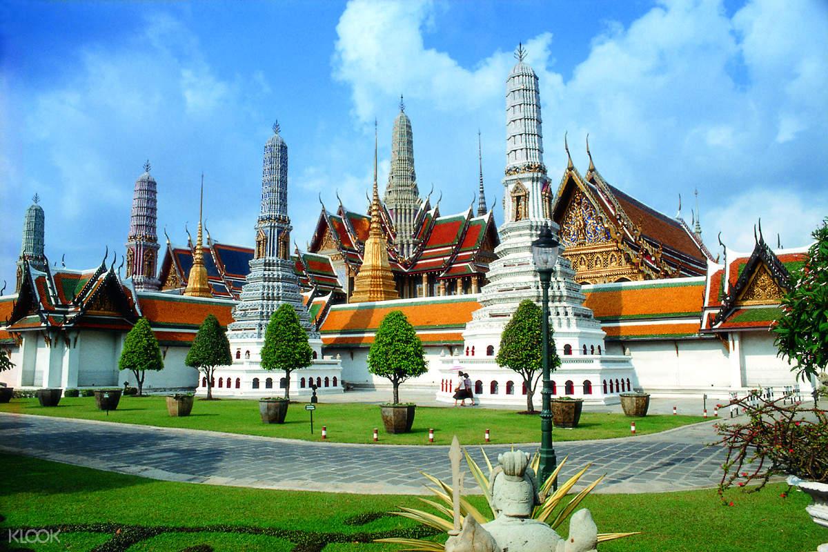 曼谷大皇宮,曼谷玉佛寺,曼谷臥佛寺,曼谷半日遊,曼谷旅遊,在曼谷做什麼,在曼谷去哪裡,泰國大皇宮,翡翠佛像,曼谷景點