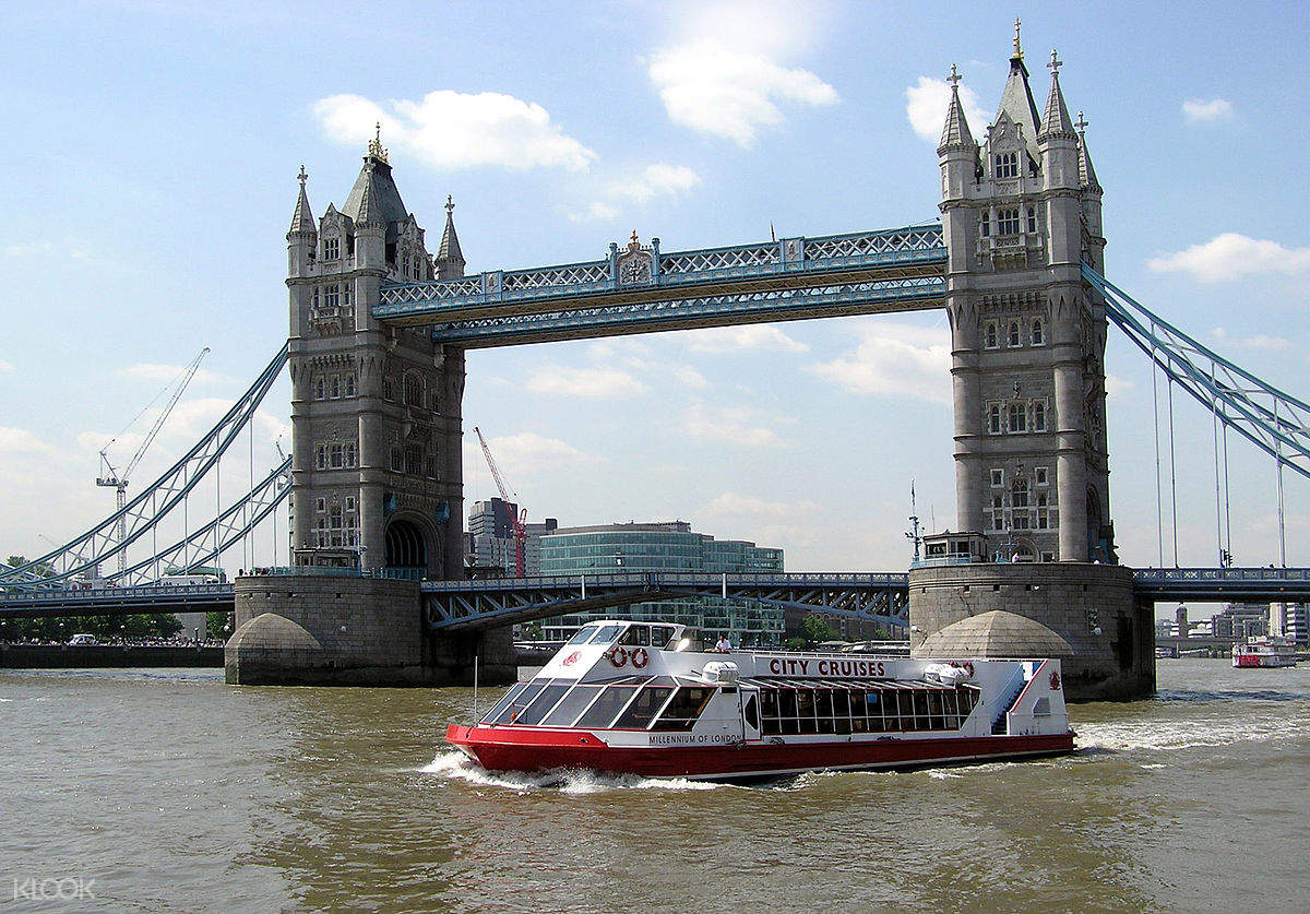 city cruises river thames