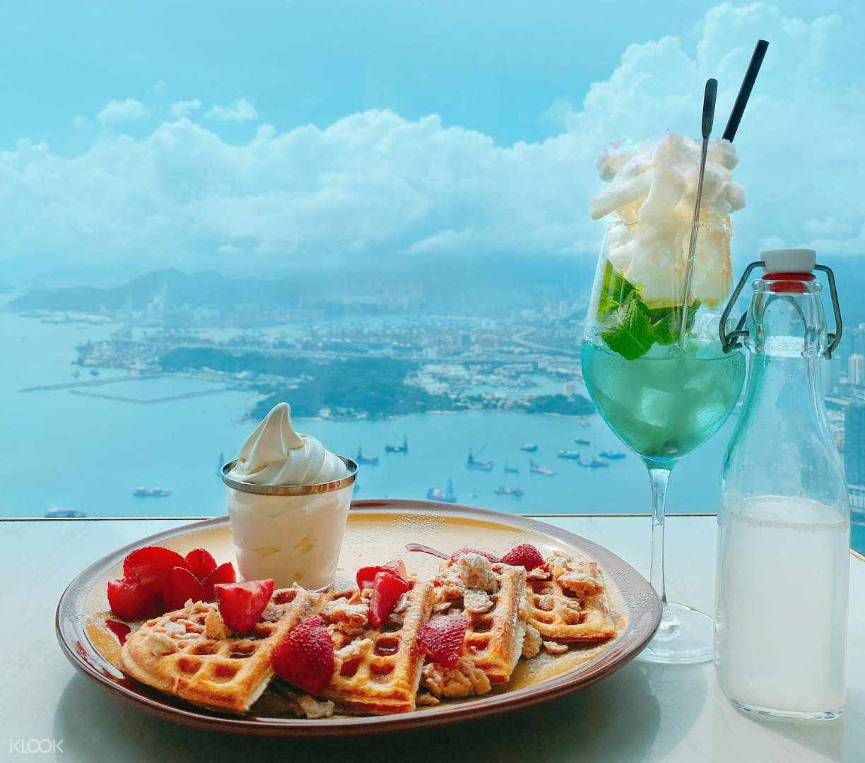 Cafe 100's signature Above the Clouds mocktail