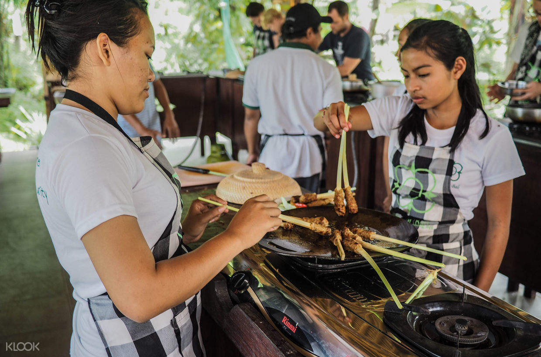 cooking class by pemulan bali
