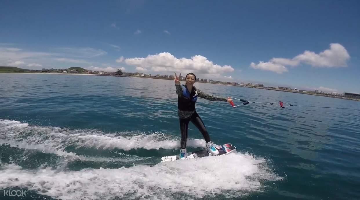 澎湖寬板滑水體驗