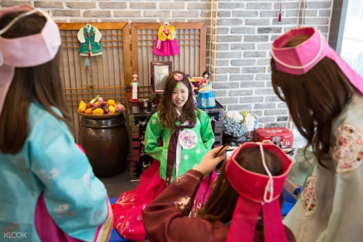 hanbok wearing