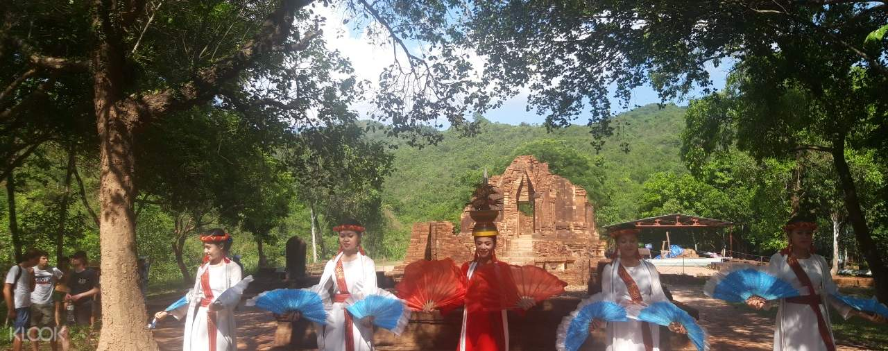 cultural dancers in my son sanctuary