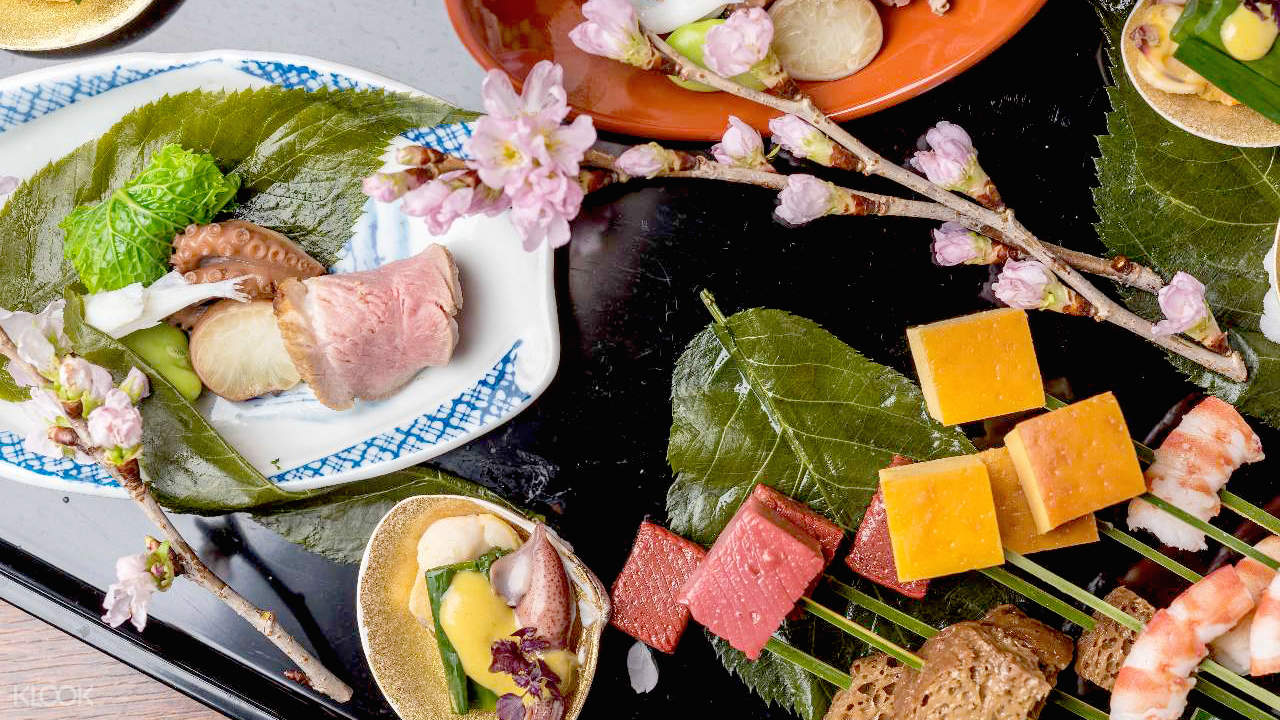 Gion Touzan Tsujihana (祇園東山 つじ華) in Gion - Traditional Kaiseki Dishes
