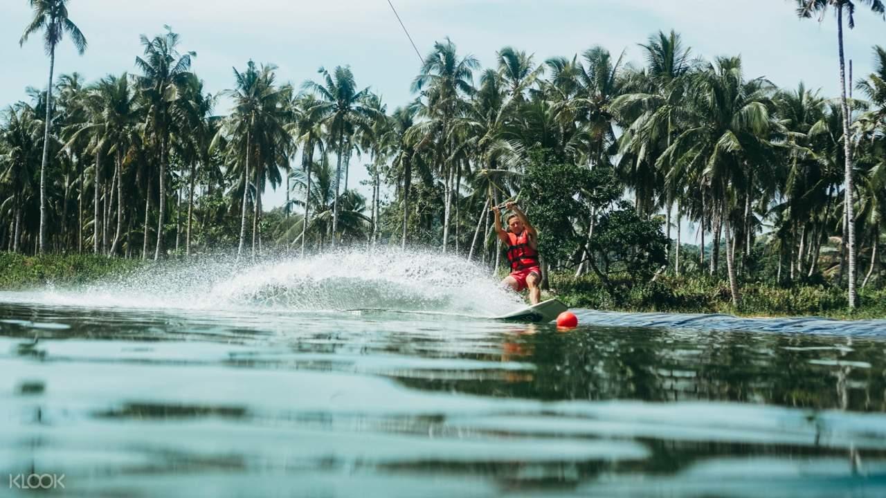 tourist wakeboarding