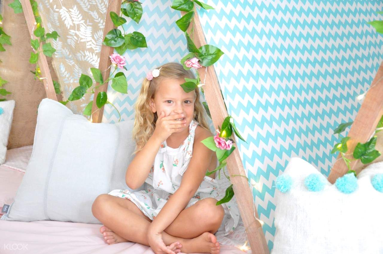 Kids Tent with Girl