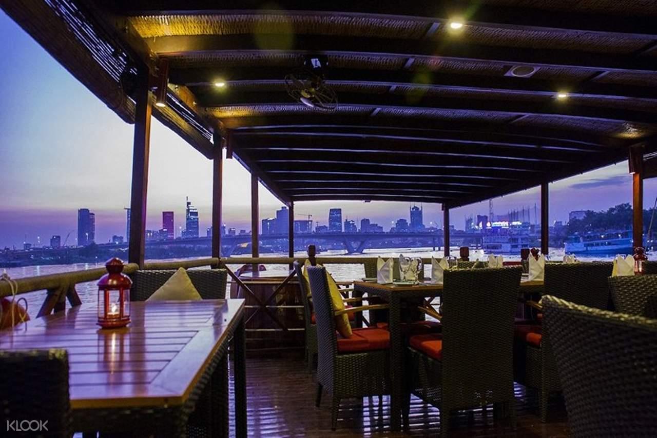 evening dinner cruise saigon river